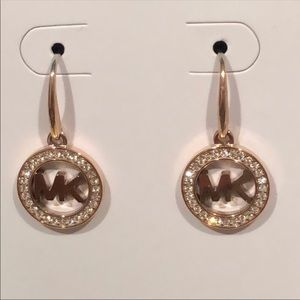 🌟New Authentic Mk signature pave drop earrings 🌟